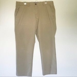 Tommy Hilfiger Tailored Fit Khakis 38 x 30 Flat